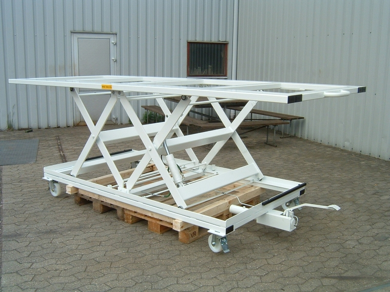 Double Horizontal mobile foot pumped lift table