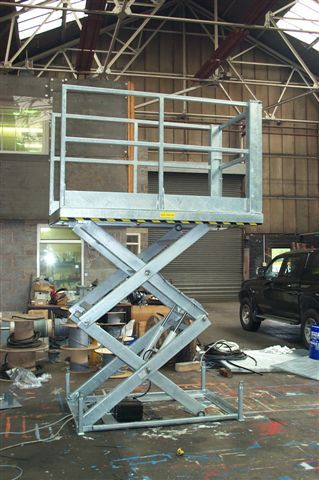 Hot dip galvanised double vertical scissor lift table