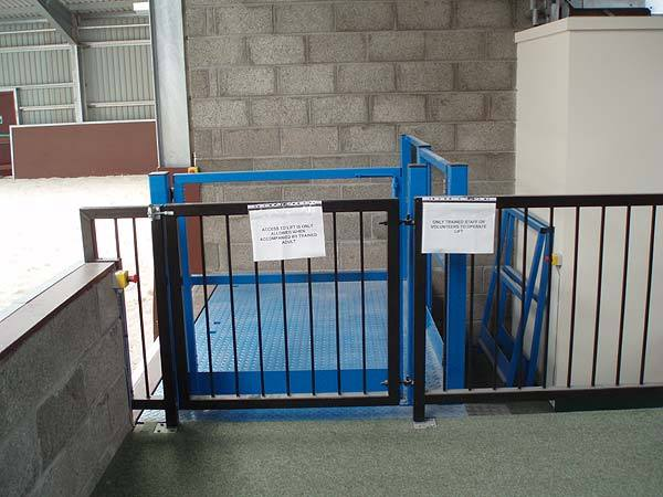 Lift table fitted at a riding school for the disabled