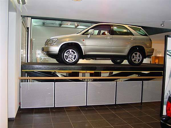 Mercedes car lift